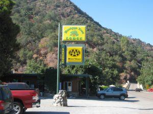 Lodging in Three RIvers, CA